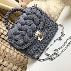 "254 Likes, 7 Comments -  Вязаные сумочки  (@kariii.knit) on Instagram: ""Стильная сумочка цвета темно-серый меланж  возможен повтор на заказ  По поводу заказа пишите в…"""
