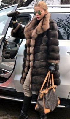 Nadire Atas on Fashionista At Large Elegant Fur Fashion, Fashion Outfits, Womens Fashion, Fashion Trends, Winter Chic, Autumn Winter Fashion, Sable Fur Coat, Fabulous Furs, Mode Outfits