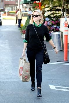Reese Witherspoon - Reese Witherspoon Shops at Bristol Farms