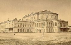 TheMariinsky Theatre prior to reconstruction in1885, designed by thearchitect AlbertoCavos