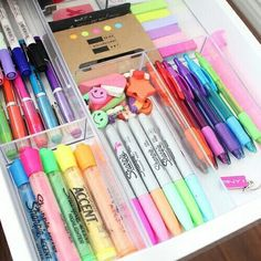 Ideas For Diy Desk Organization College Organisation Organisation Hacks, School Organization, Organizing, Bedroom Organization, Storage Organization, School Suplies, Diy Rangement, Elle Woods, Back To School Supplies