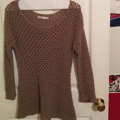 Brown Sweater Worn a few times but in great condition. Price is negotiable Old Navy Sweaters Crew & Scoop Necks