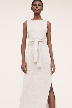 http://www.vogue.com/fashion-shows/pre-fall-2016/theory/slideshow/collection