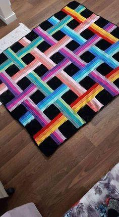 Pyramid Crochet Afghan Pattern Free – Her Crochet – Hiltrud Thomas - Crochet Crochet Bedspread, Crochet Quilt, Crochet Squares, Crochet Baby, Knit Crochet, Crochet Mandala Pattern, Crochet Stitches Patterns, Crochet Designs, Knitting Patterns