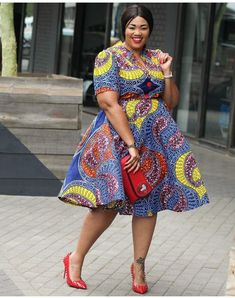 Plus Size Ankara Gown Styles 2020 - isishweshwe at Diyanu Ankara Dress Designs, Ankara Dress Styles, African Print Dresses, African Fashion Dresses, African Dress, Fashion Outfits, Kente Styles, Nigerian Fashion, Ankara Tops