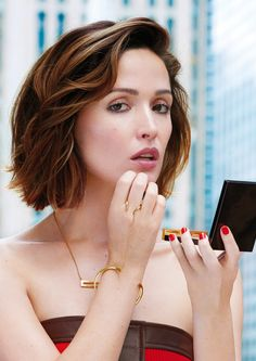 Rose Byrne short bob hairstyle