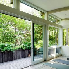 Green living: inside and outside. #ecofriendlywood #gogreen #sustainable #architecture #motherearth #barnwood #timber #ecofriendly #green #wood #archilovers #homedesign #repurposedwood #repurposedtimber #yoga