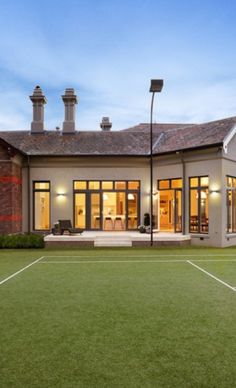 Luxury homes with tennis court⭐️
