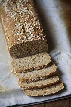 Pane semi integrale con farina e fiocchi d'avena