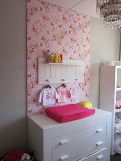 goed idee voor slaapkamers kids met egale muren.. vrolijkt het op!