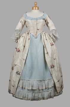 Robe a l'Anglaise, 1770, Aberdeen Art Gallery & Museum .  Example of a petticoat flounced with a sheer, and the bodice trimmed in a contrastin material