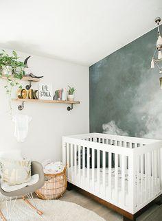 Une chambre bébé bohème pour un petit garçon