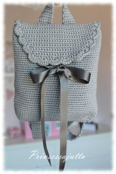 Marvelous Crochet A Shell Stitch Purse Bag Ideas. Wonderful Crochet A Shell Stitch Purse Bag Ideas. Crochet Backpack, Bag Crochet, Crochet Handbags, Crochet Purses, Love Crochet, Crochet For Kids, Crochet Crafts, Crochet Stitches, Crochet Baby