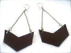 Tyirwyn  geometric chevron leather and brass earrings  by ulantia, $32.00 #leather #chevron #jewelry #earrings #ulantia