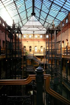 Bradbury Building, Los Angeles George Wyman, 1893