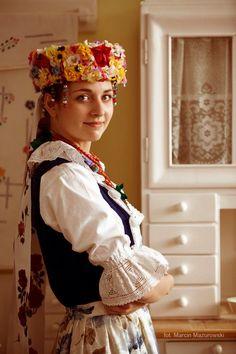 Temat: Strój rozbarski Folk Costume, Costumes, Folk Clothing, Traditional Clothes, Arte Popular, Headdress, Folklore, Ariel, Beautiful Things