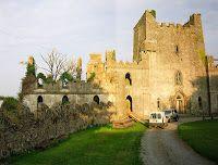 Seeks Ghosts: Haunted Leap Castle