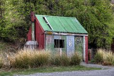 Old house/hut, Porters Pass, Canterbury, New Zealand by brian nz, via Flickr
