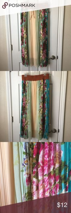 Mint Green Brand from Marshalls Long Skirt NWT! Gorgeous floral skirt. Has been hanging in my closet waiting to be worn! 🌷🌺🌸🌹 Mint Green Skirts Maxi