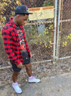 Dope Outfits For Guys, Stylish Mens Outfits, Streetwear Shorts, Streetwear Fashion, Neon Bedroom, Black Men Street Fashion, Teen Boy Fashion, Flannel Outfits, Sneakers Fashion Outfits
