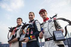 Three from four for McLeod | Red Bull Air Race
