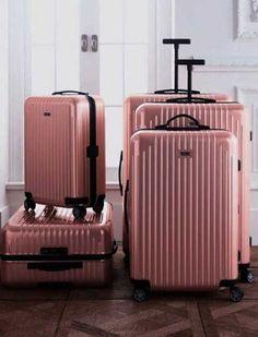 3b49dda939 Chic traveling luggage. Απαραίτητα ΤαξιδίουΤαξιδιωτικές  ΣυμβουλέςΠροετοιμασία Αποσκευών Για ΤαξίδιαΤσάντες ...