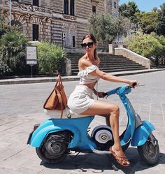 Vespa - One day...I wish they still made them like this.