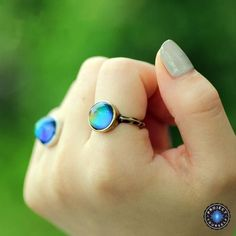 Cheap ring set, Buy Quality rings set for women directly from China feeling ring Suppliers: 1 PC Antique Bronze Plated Color Changing Mood Rings Changing Color Temperature Emotion Feeling Rings Set For Women/Men Mood Ring Color Chart, Mood Ring Color Meanings, Mood Ring Colors, Color Ring, Anel Do Humor, Eyebrow Stamp, Vintage Moon, Ring Set, Stainless Steel Rings