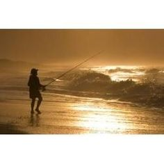 Gonna use these tips now. A compilation of some great surf fishing tips to help you start finding and hooking lots more fish. Find out which baits are best for which fish,. Surf Fishing Tips, Fishing Guide, Gone Fishing, Kayak Fishing, Fishing Boats, Fishing Tricks, Fishing Stuff, Saltwater Fishing, Salt And Water