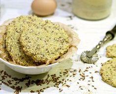 Recept na sezamové krekry, které se výborně hodí na paleo silvestrovské pohoštění či jinou příležitost, kdy se chcete bavit a u toho zdravě zobat.