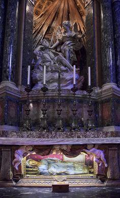 Saint Vittoria (Victoria), virgin and martyr of the catacombs Human bones embedded in wax Santa Maria della Vittoria, Italy Catholic Art, Catholic Saints, Patron Saints, Saint Victoria, Extreme Unction, Mother Daughter Trip, The Catacombs, All Saints Day, Santa Maria