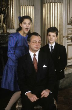 King Gustaf of Sweden with him childs, princess Victoria and prince Carl Philipe ...Cute!!!