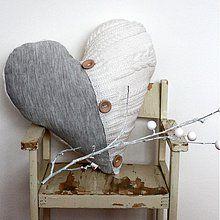 Úžitkový textil - Mojkáčik s gombíkmi - recy svetríkový vankúš (NA OBJEDNáVKU) - 2071170