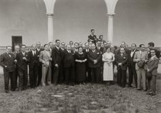 Visor Archivo General Región de Murcia. FR,MRF,136 / Retrato de grupo de profesores y Mariano Ruiz-Funes en el claustro de la Universidad de Murcia.c.1936