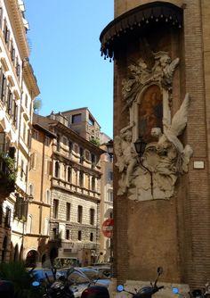 Arte escondido en las calles de Roma.