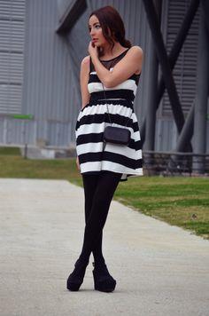 #MotuFashion - Vestidos online by FashionBloggers Estilo Blogger, Strapless Dress, Dresses, Fashion, Vestidos, Fashion Bloggers, Hot Clothes, Clothing Stores, Fashion Trends