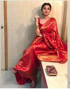 """Jab kisi aur ki barbadi apni jeet jaisi lage, to hamse zada barbad aur koi nahi is duniya mein. Indian Bridal Sarees, Indian Bridal Outfits, Indian Bridal Fashion, Indian Fashion Dresses, Dress Indian Style, Indian Designer Outfits, Indian Beauty Saree, Ethnic Fashion, Indian Wear"