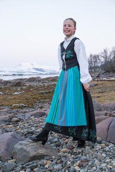 Fantasidrakten er ferdig ! #norwegian #bunad #festdrakt #sewing  #17.mai