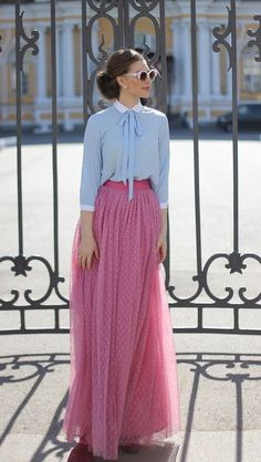what-type-of-tops-to-wear-with-long-skirts 36 Perfect Winter Outfit Ideas Fashion long skirt outfits ideas Modesty Fashion, Muslim Fashion, Hijab Fashion, Fashion Outfits, Modest Dresses, Modest Outfits, Long Skirt Outfits, Long Skirts, Hijab Stile