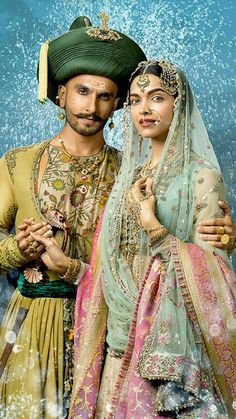 Ranveer Singh & Deepika Padukone in 'Bajirao Mastani' Deepika Ranveer, Deepika Padukone Style, Ranveer Singh, Bollywood Stars, Bollywood Couples, Pakistani Wedding Dresses, Wedding Dresses For Girls, Indian Dresses, Bridal Dresses
