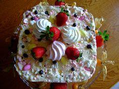 Dragostea in bucate: TORT DE INGHETATA CU BEZELE SI FRUCTE Parfait, Ice Cream, Cake, Desserts, Food, No Churn Ice Cream, Tailgate Desserts, Deserts, Icecream Craft