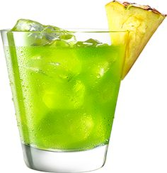 MIDORI Pineapple is an easy to make cocktail using MIDORI. Malibu Rum, Malibu Mixed Drinks, Rum Punch Recipes, Cocktail Recipes, Cocktail Ideas, Midori Cocktails, Refreshing Cocktails, Easy To Make Cocktails, Green Beer