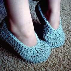 Simple Toddler Slippers | HodgePodge Crochet