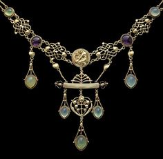 "HENRY WILSON ""The Apollo"" Rare Art Nouveau Necklace, 18K gold set with amethyst and chalcedony. British, ca. 1904."