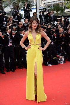 Isabeli Fontana veste Tufi Duek na première de 'Saint Laurent' no Festival de Cannes 2014
