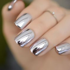 Chrome nails are the latest technology used by all trendy ladies and top nail bar salons. They use some gold/silver and metal nails to make them look gold foil/silver. Chromium nail powder can also be used. Have you tried Chrome Nail Art Designs bef Chrome Nail Art, Silver Nail Art, Metallic Nails, Chrome Nails Silver, Rose Gold Crome Nails, Chrome Nail Colors, Metallic Nail Powder, Oxblood Nails, Magenta Nails