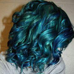 Hair inspiration Can i do this on someone PLEASE  #mermaidhair #deepbluesea #blue #green #mylittlepony #mylittleponyhair #unicornhair #iwantthis #lahair #losangeles #bumbleandbumble #hairbrained #instabeauty #la #modernsalon #behindthechair #notmywork #funkyhair #funhair #funcolors #losangelesstylist #losangeleshair #marinadelrey #playavista #westchester #hollywood by weeeeeeest