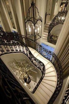 #highclasshomes #highclassproperties #wowmoments  #houses #property #properties #luxuryrealestate #milliondollarlisting  #luxurylistings #listing #london #airbnb #servicedaccomodation #chelsea #management #landlords #developer #hotel #instagood