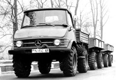 mbUnimog406 _11 Unimog with 65 hp (406 series, 1963-1966), the bigger version of the Unimog with.jpg;  800 x 555 (@100%)
