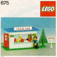 LEGO 675 Snack Bar instructions displayed page by page to help you build this amazing LEGO Town set Snack Bar, Classic Lego Sets, Lego Table Ikea, Modele Lego, Van Lego, Lego Boxes, Lego Club, Lego For Kids, Lego Room